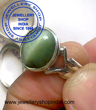 Catseye Lahsuniya Stone Ring Design for Gents
