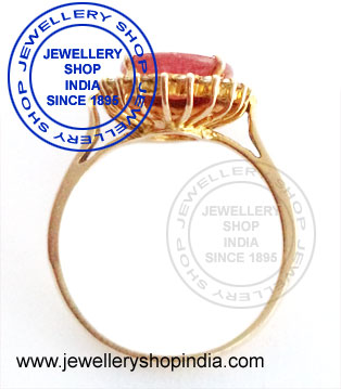 Natural ruby ring designs for ladies in gold.